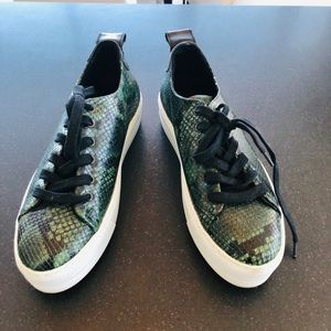 Shoes - High qualify platform python sneakers